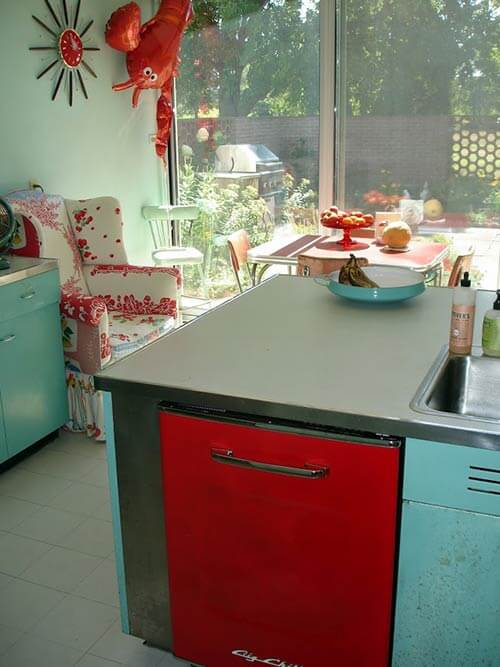 aqua-and-red-kitchen-before