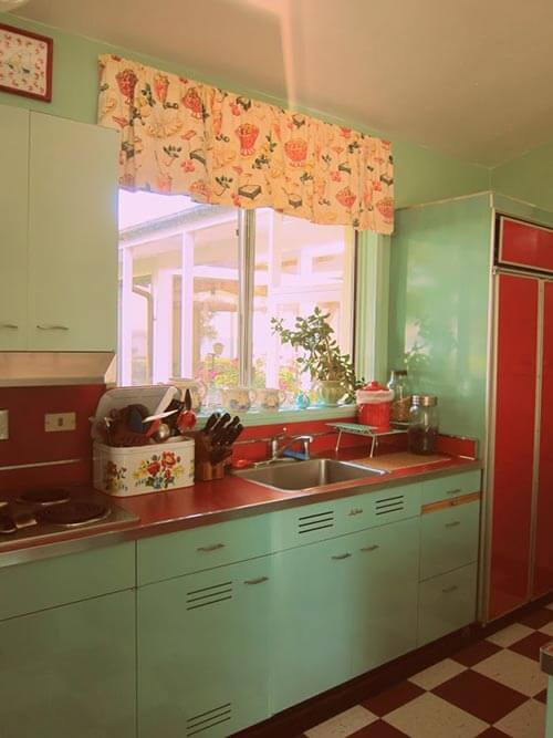 Did S Kitchens Have Metal Kitchen Cabinet With Sink