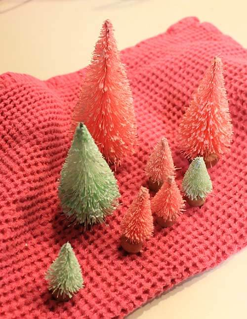 bottle-brush-trees-dyed-with-food-color