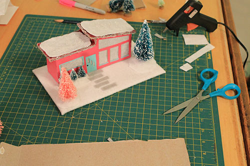 landscaped-yard-retro-christmas-house-model