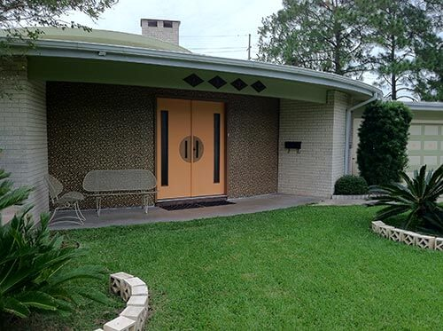 mid-century-rounded-house