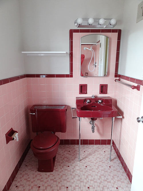 pink-and-maroon-bathroom-vintage bathroom