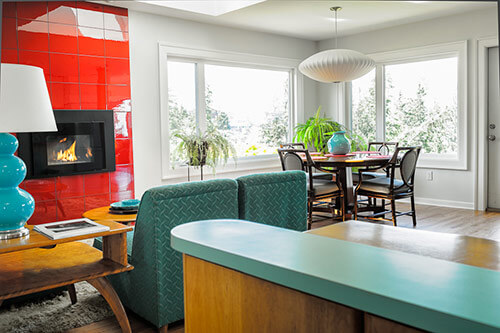 red-and-aqua-dining-room