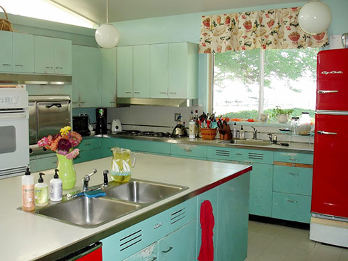 red-and-aqua-kitchen
