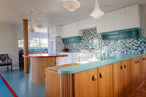 retro modern kitchen baby boomers create their retirement house a colorful retro remodel 25 photos retro 8962