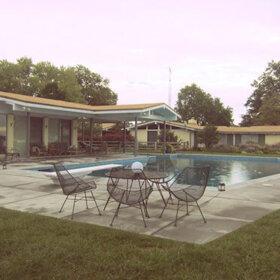 retro-patio-with pool