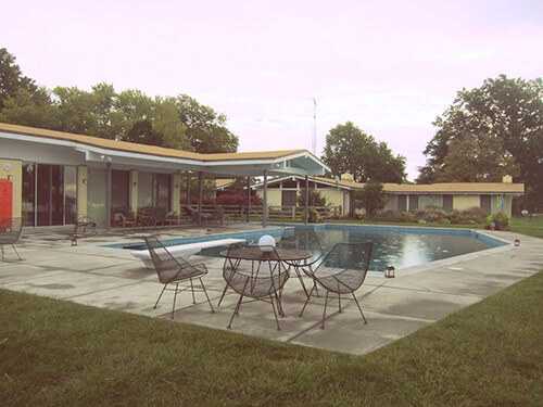 retro-patio-with pool
