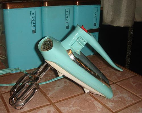 vintage-GE-aqua-hand-mixer