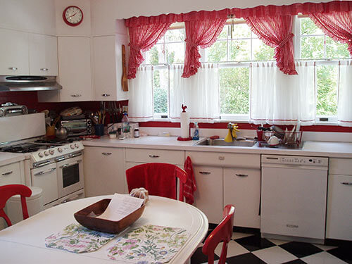 Vintage Red And White Kitchen
