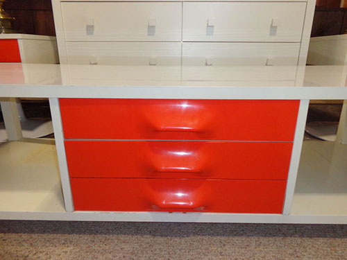 Broyhill-Premier-coffee-table-red