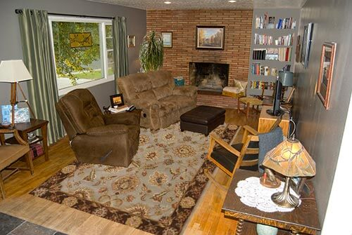 Living-room-grey-bookshelf