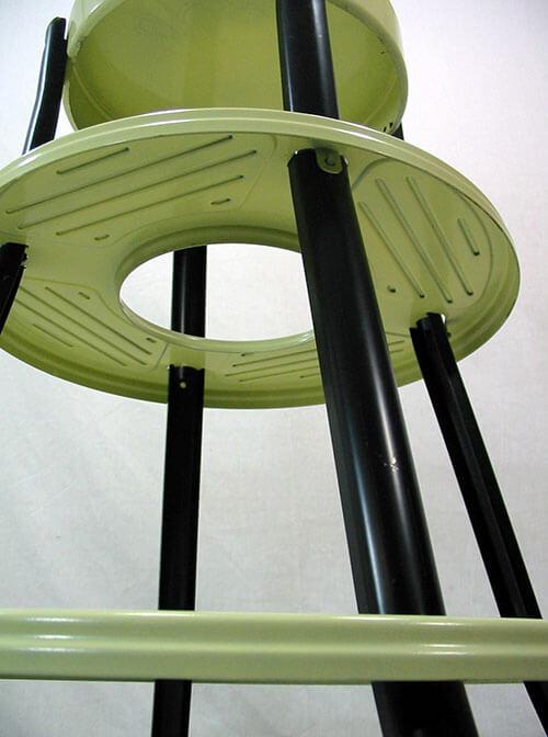 NOS-metal-step-stool-retro