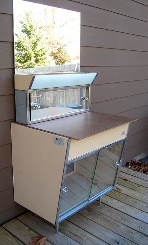 Great Vintage Bathroom Vanity Exterior