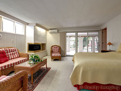 Mid century modern portland time capsule house beautiful for Mid century modern master bedroom