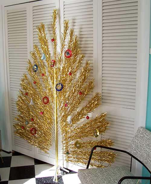 gold-aluminum-peacock-tree - Flat Evergleam