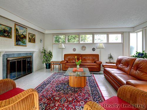 living-room-retro-time-capsule-house