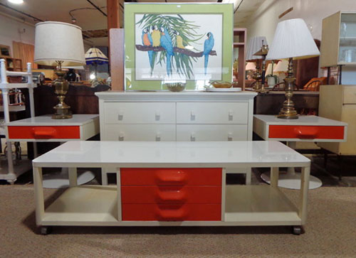 Trend red and white broyhill premier furniture