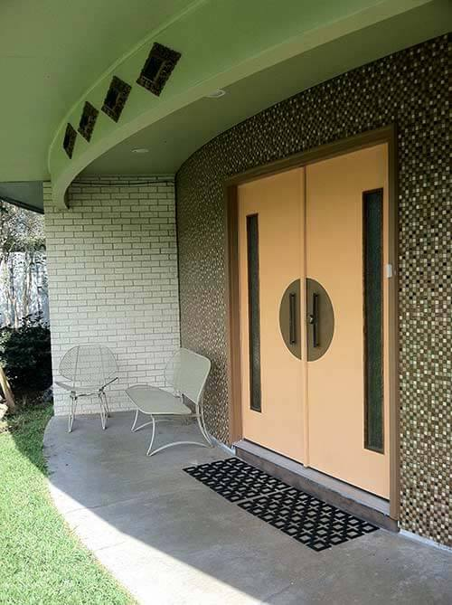 A Groovy Front Porch Makeover On