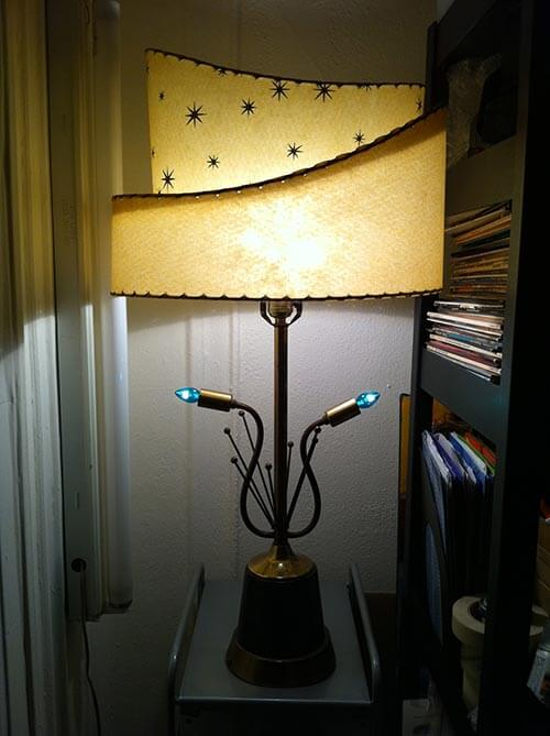 two-tiered-retro-starburst-lamp-blue-lights