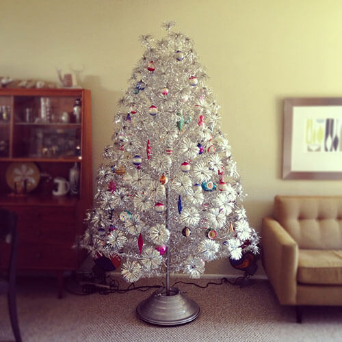 Imperial-Arctic-Star-Aluminum-tree-by-Tomar-of-Chicago-co.