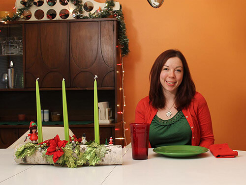 Kate-with-yule-log-centerpiece