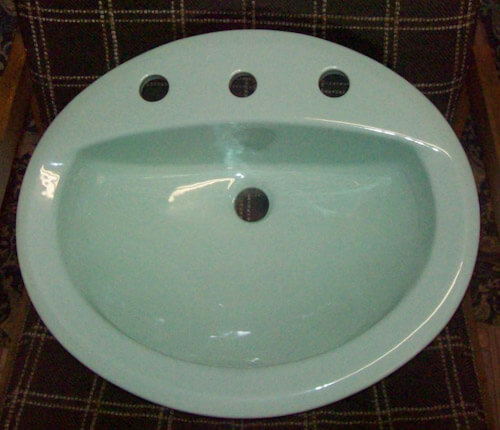 Light green 20 x 17 inch oval 8 inch spread lavatory sink