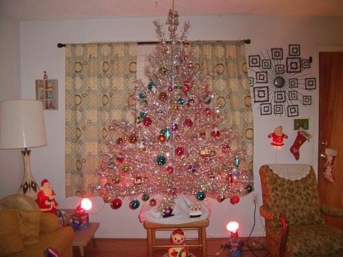 A Christmas (Tree) Story, inspired by Retro Renovation - Retro ...