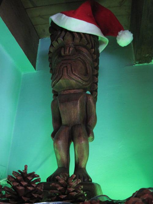 christmas-tiki-larserik