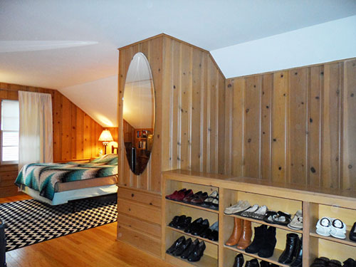 knotty-pine-bedroom