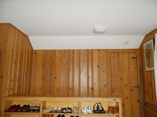 knotty-pine-wall