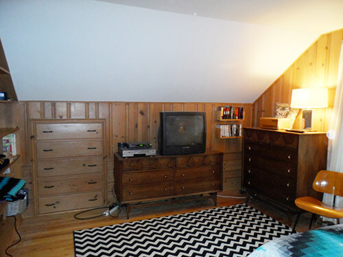 knotty-pine-with-broyhill-brasilia