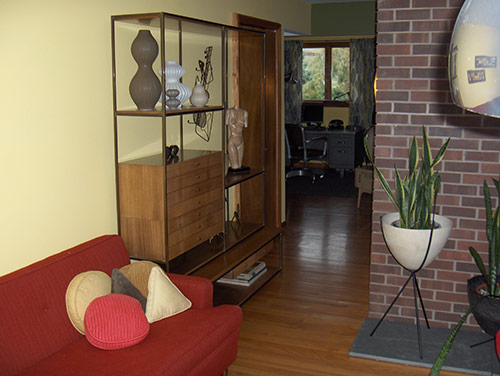 mid-century-living-room