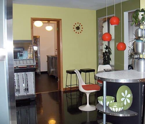 mid-century-modern-kitchen-green