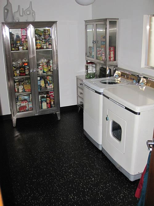 retro-mod-laundry-room