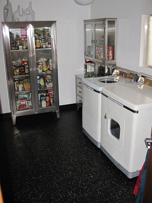 retro-mod-laundry-room