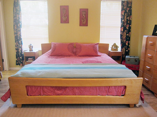 Heywook-Wakefield-king-size-bed