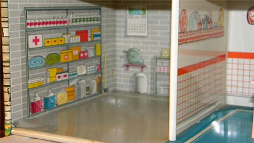 Marx-doll-house-bomb-shelter