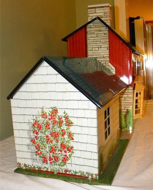 Marx-tin-dollhouse-exterior-trellis