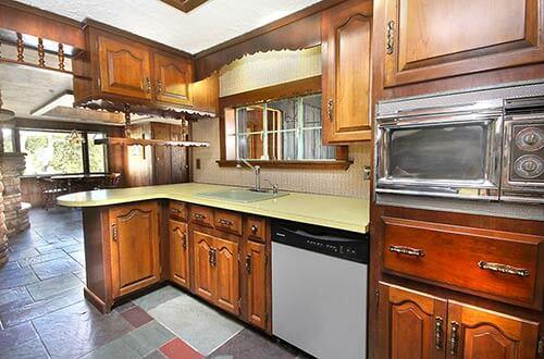 Mid-century-kitchen-vintage-chrome-microwave