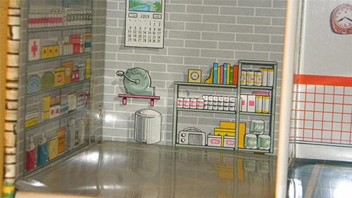 Tin-doll-house-Marx-with-bomb-shelter