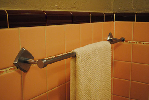 retro Towel-Bar