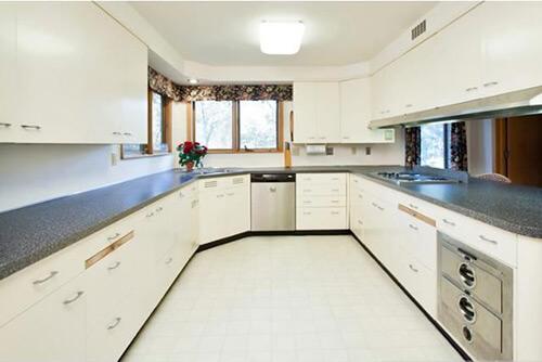 White-retro-mid-century-kitchen