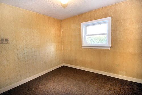mid-century-bedroom-with-intercom