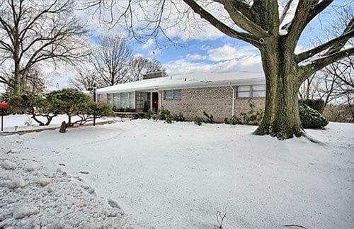mid-century-exterior-house-winter