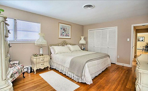 mid-century-hollywood-regency-bedroom