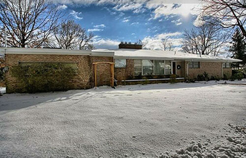 mid-century-ranch-exterior-snow