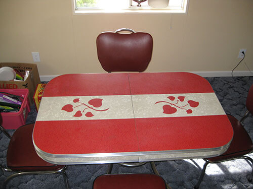 red-and-grey-cracked-ice-retro-dinette