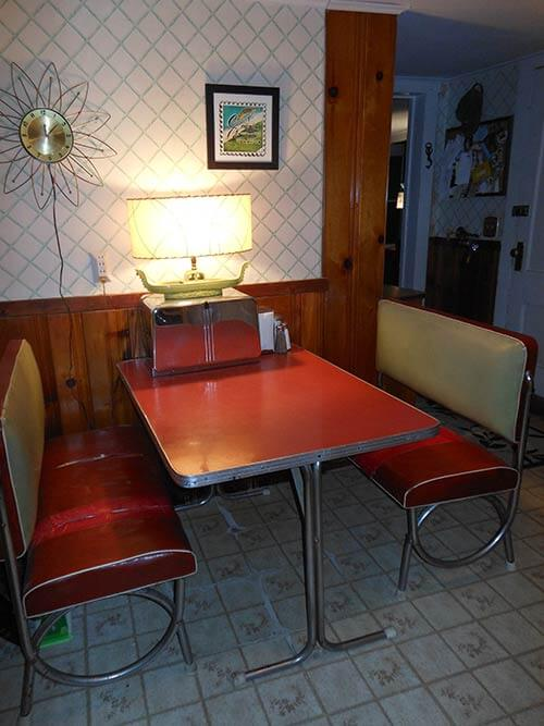 red-dinette-vintage-with-benches