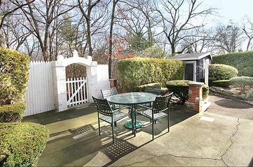 retro-patio-with-shed-and-gate