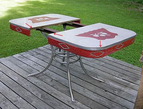 vintage-dinette-with-studded-sides-red-and-white